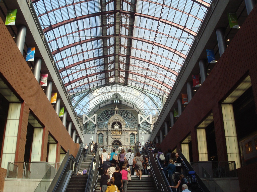 Interior of Antwerpen Centraal station
