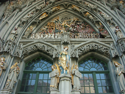 The main door of Berne Münster including the sculpture of The Last Judgement