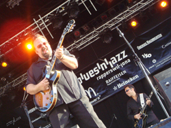 Otis Grand performs at the Fischmarktplatz at Rapperswils Blues n Jazz Festival 2008