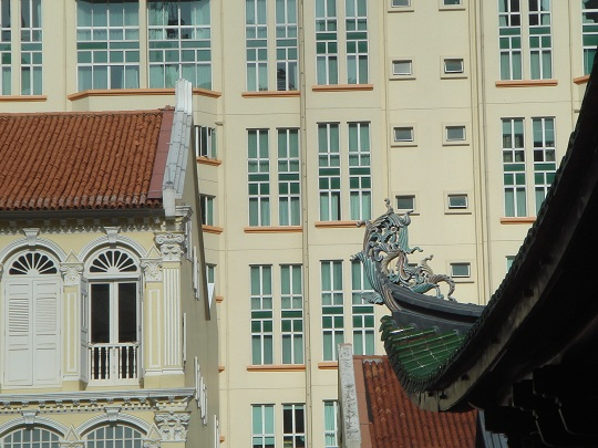 Singapore - varied architecture at the Thian Hock Keng temple