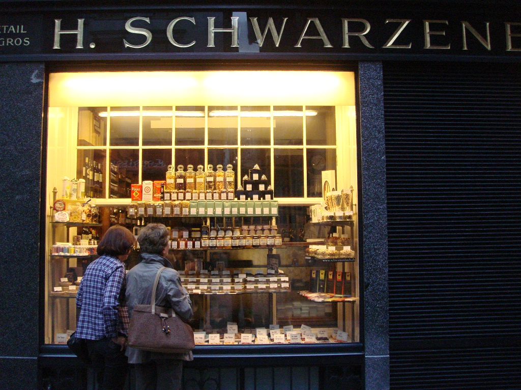 Zürich - Shopping in the Niederdorf