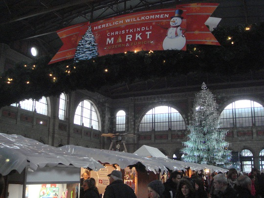 Zürich - Christmas market at the Hauptbahnhof