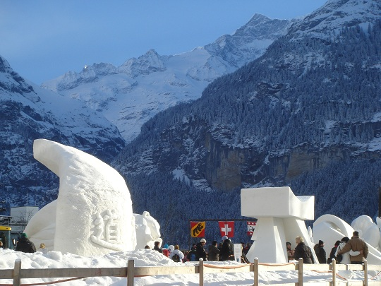 Grindelwald - snow sculptures at the International Snow Festival