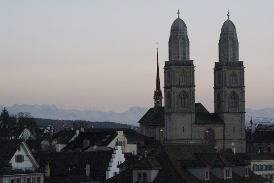 Zürich - Lindenhof view of Grossmünster
